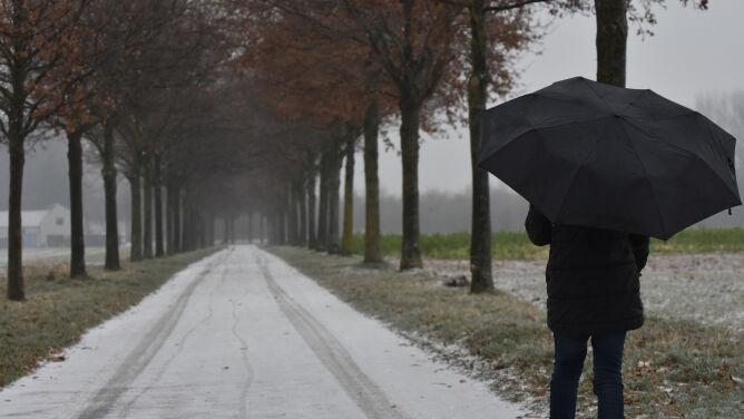 Pogoda na dziś: silny wiatr i słabe opady deszczu ze śniegiem