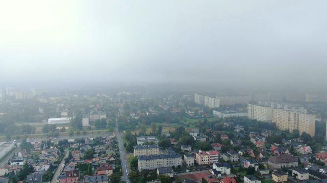 Fatalna jakość powietrza w Raciborzu i Rybniku. Smog też w innych miastach