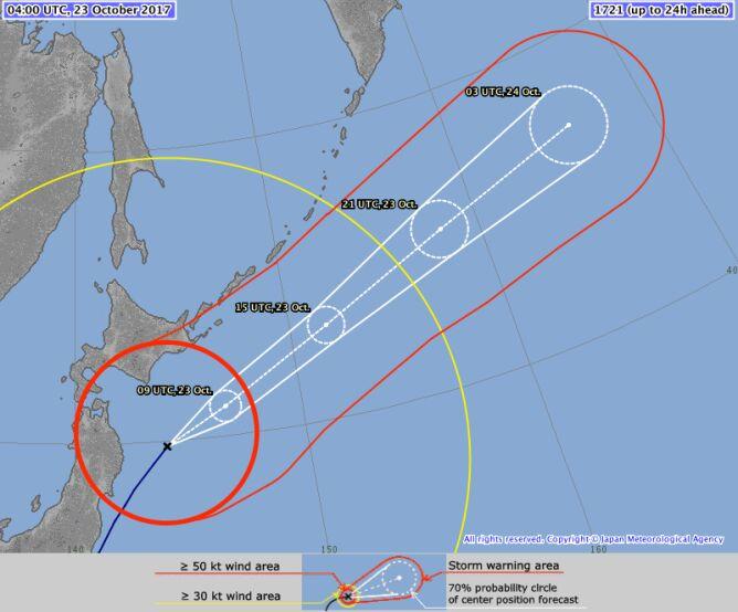 Prognozowana trasa tajfunu Lan (źródło: JMA)